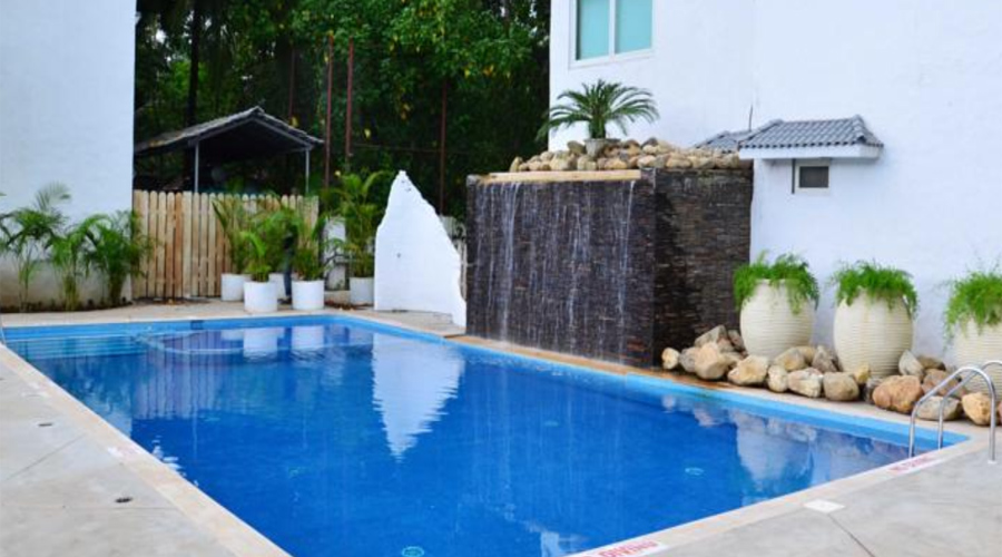 Azzure Pool