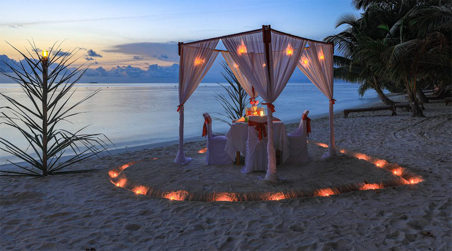 Romantic Dinner Set Up