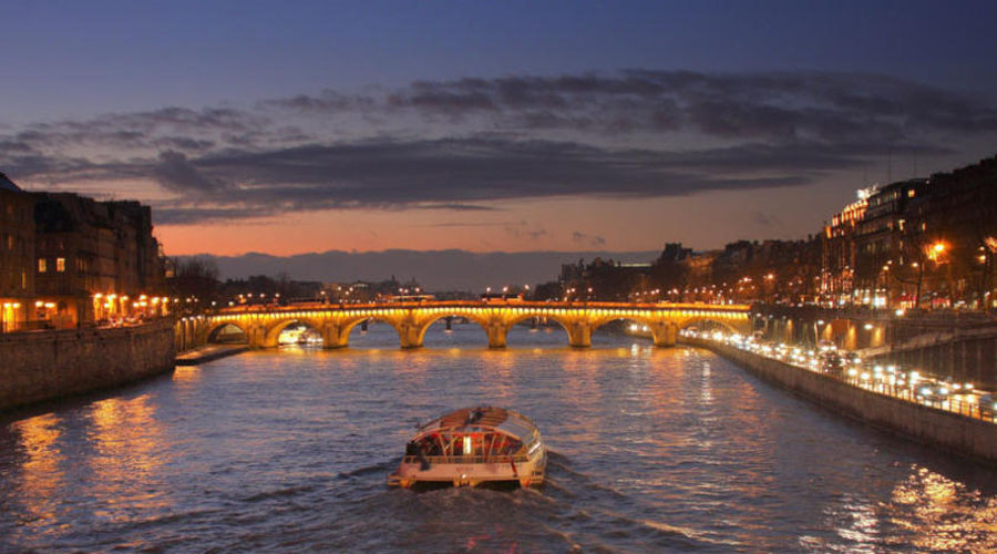 Sceine Cruise Paris Honemoon