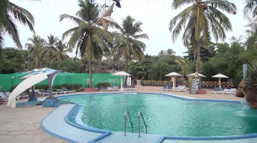 Paradise Resort Swimming Pool