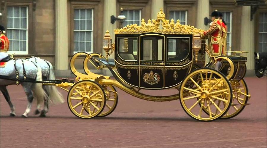 Queen Horse Carriage
