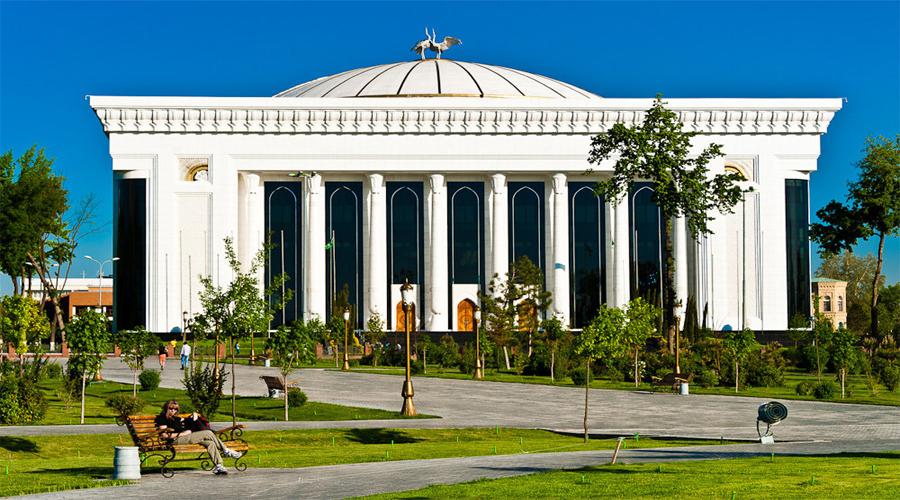 Amit Temur Square in Tashkent