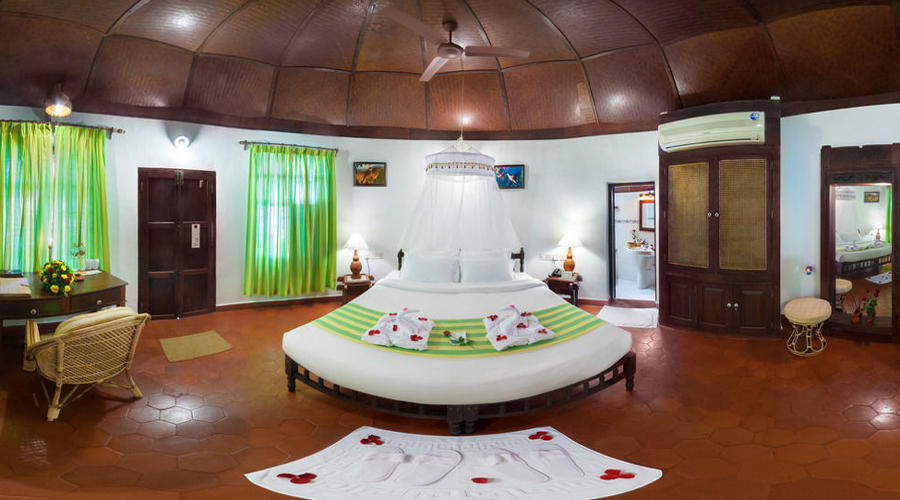 Manaltheeram Room