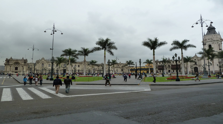 Catheral Place, Lima