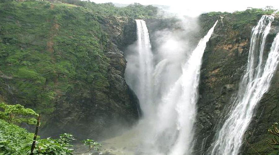 Dam In Munnar