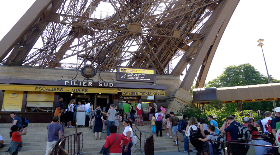 Eiffel Tower line