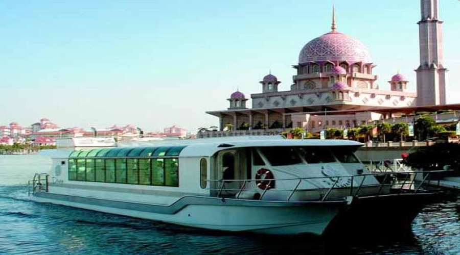 Putrajaya tour with cruise