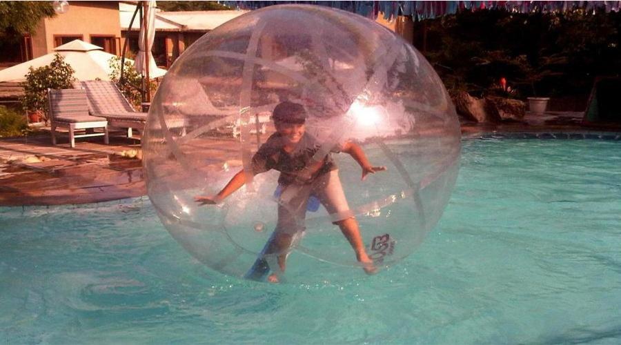 Kikar Lodge water ball