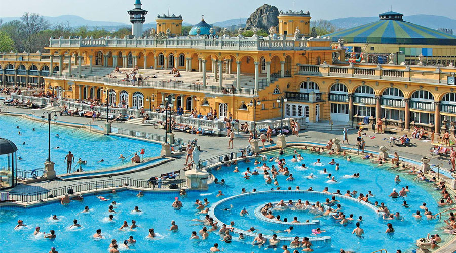 Outdoor Thermal Water, Budapest