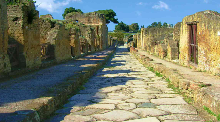 Full Day Excursion to Pompeii