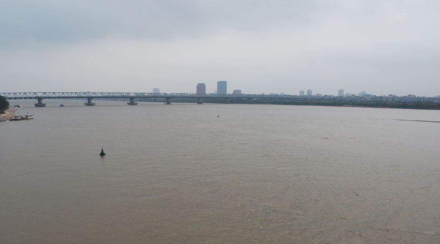 Red River,  Hanoi