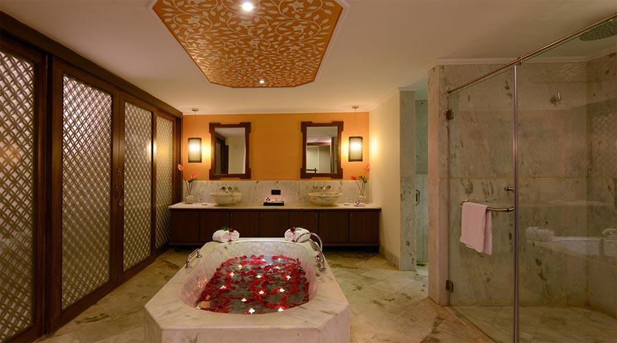 Rio-suites-bathroom