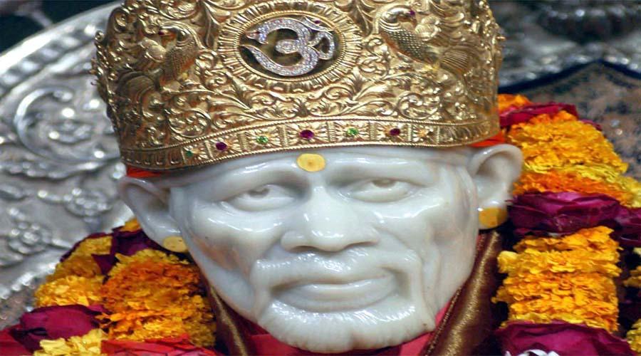 Sai Baba in Shirdi2
