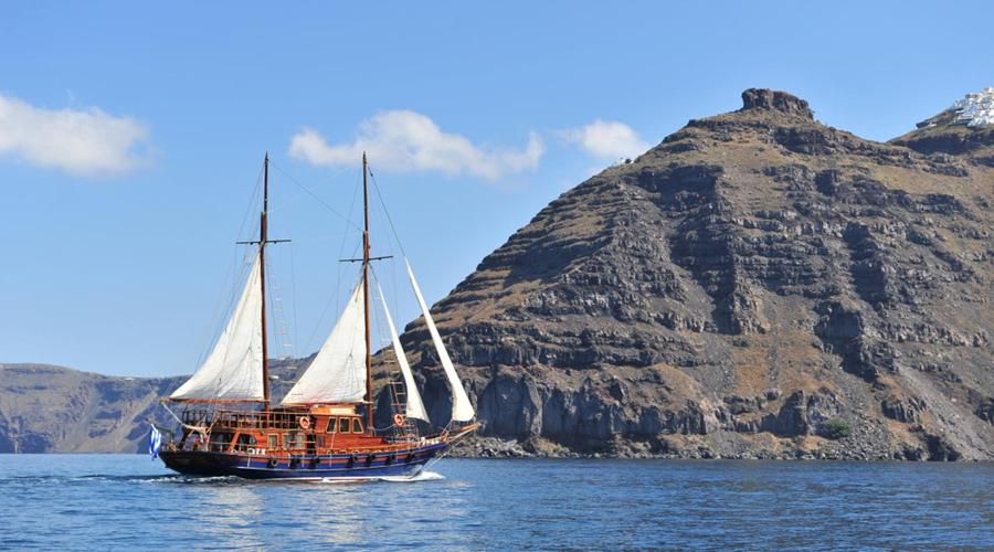 Santorini Volvo Boat tour