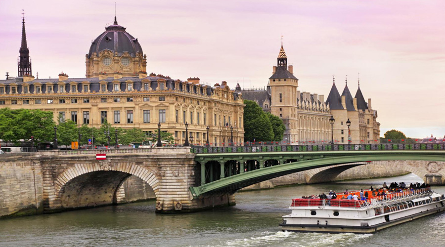 river Seine Cruise, Paris