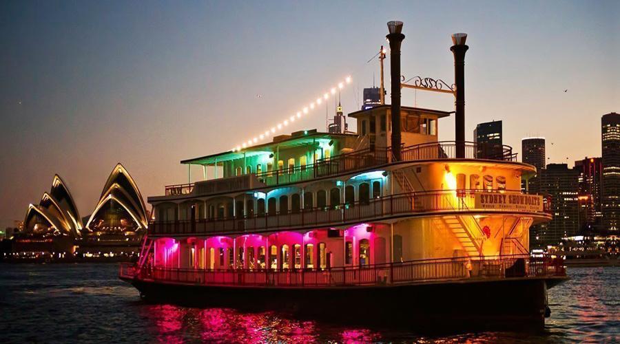 Show Boat Dinner Cruise, Sydney