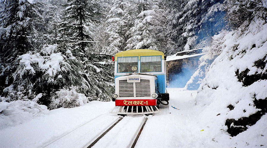 sw-toy train snow