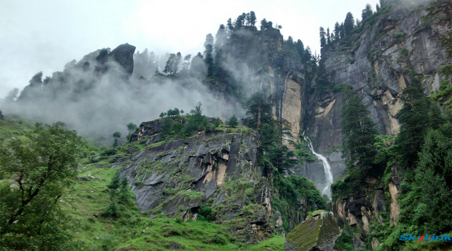 waterfall manali